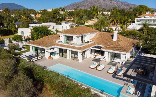 STYLISH-RENOVATED-VILLA-IN-NUEVA-ANDALUCIA-MARBELLA
