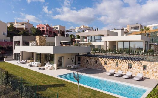 Modern-Luxury-Villa-in-Nueva-Andalucia